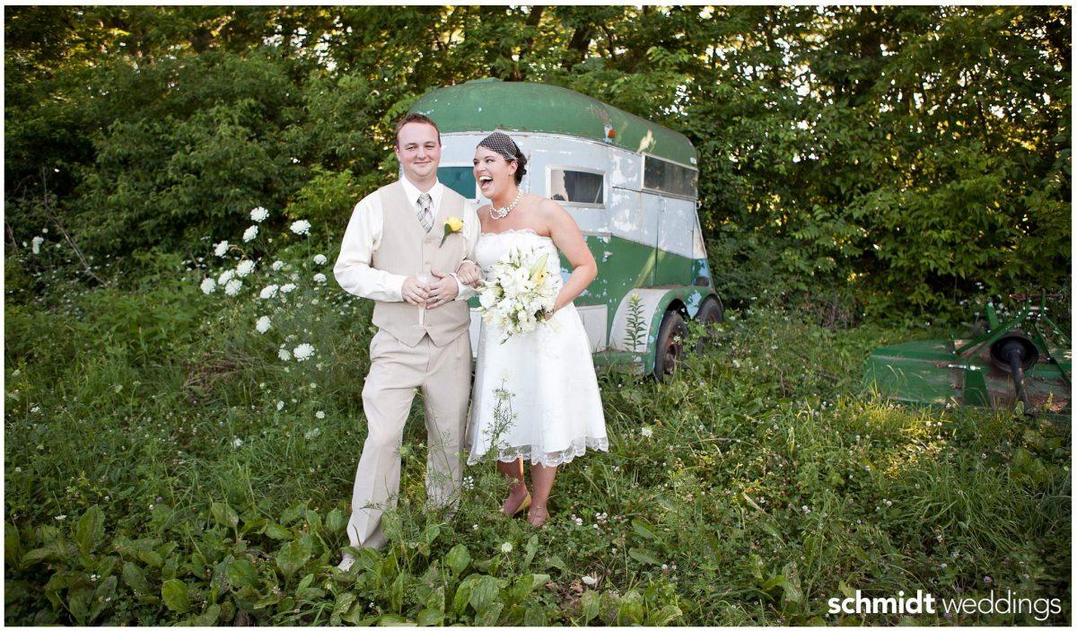 TS Photo Weddings Outdoor portraits bride and groom vintage